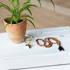 Yoga OM szimbólum - sárgaréz - 9 cm