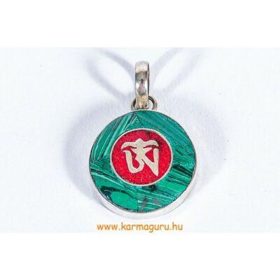 kerek-malachit-medal-kozepen-korall-Om-mal